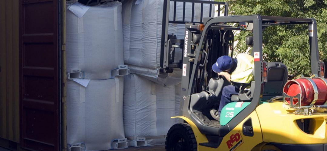 Unloading Tellap bags